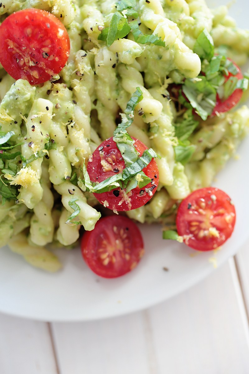 5 ingredient avocado pasta