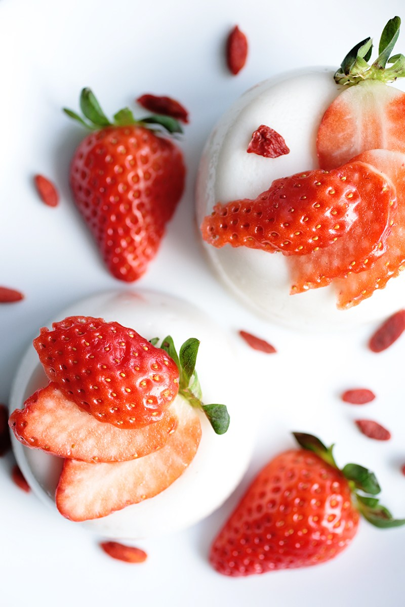 5 ingredient coconut panna cotta