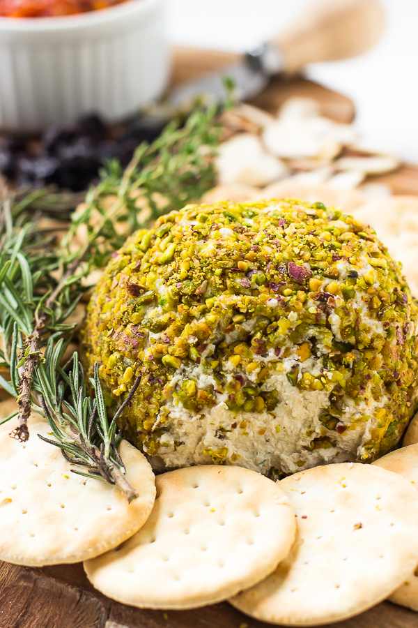 cheese-pistachio-ball